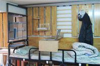 组图:巧夺天工的男生寝室