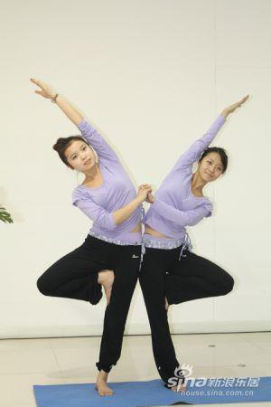 双人瑜伽表演