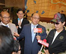 台中市市长胡志强与吴宗宪接受采访