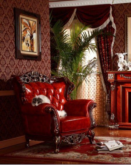 沙发的整体大红色协调美观