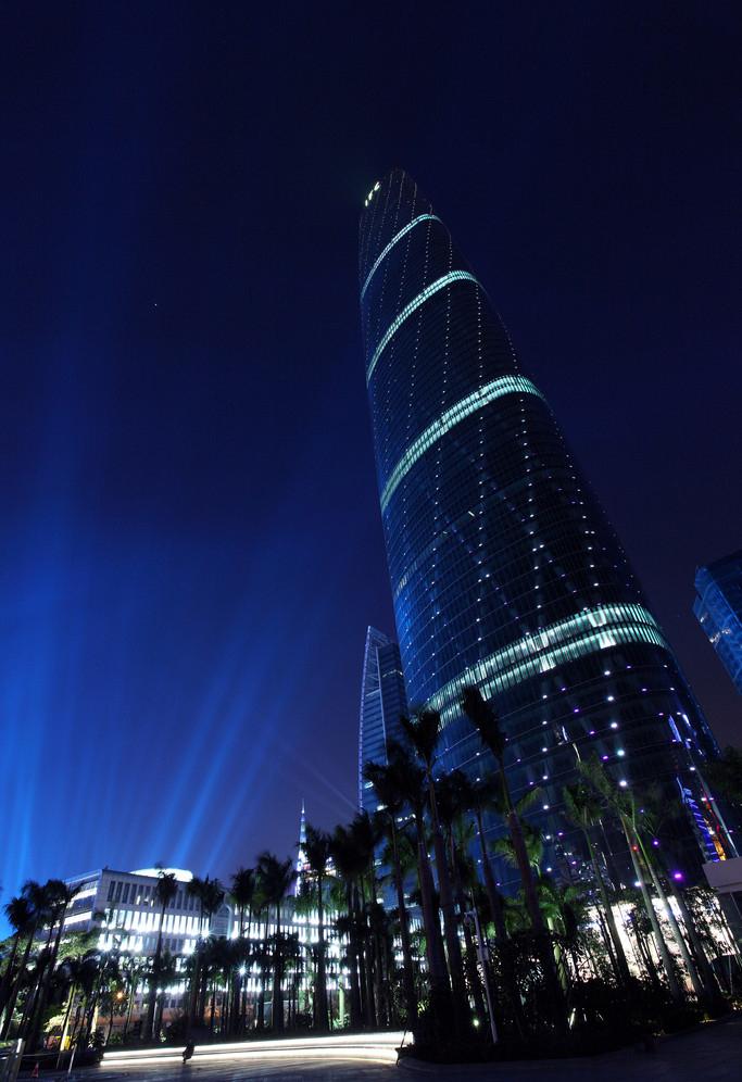 珠江西塔大厦建筑高度:432米 建筑造价:60亿人民币