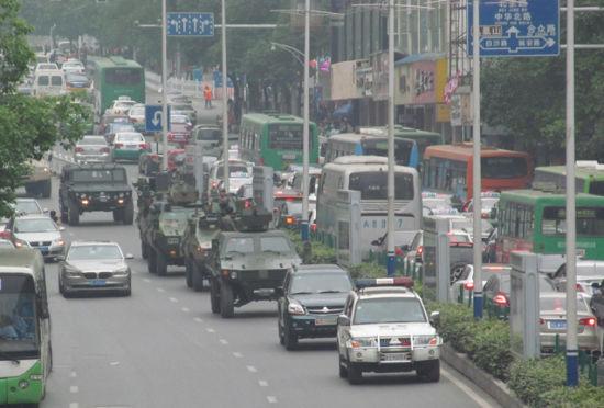 中国保利国防兵器展接车仪式暨全城巡游