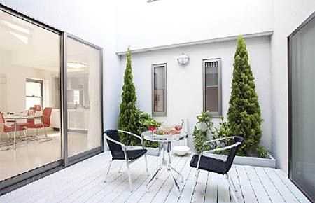 html   patio,西班牙语中的天井,原本指住宅中地面铺着花砖,装饰有喷图片