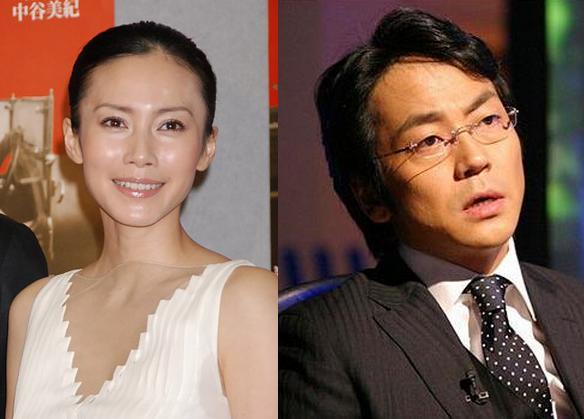 中谷美纪和导演矢崎仁司和大森等演员打过招呼后走上台.