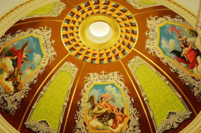 穹顶的欧式油画图片