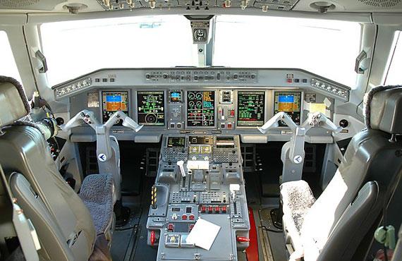 巴西航空工业公司交付第100架E-系列喷气机