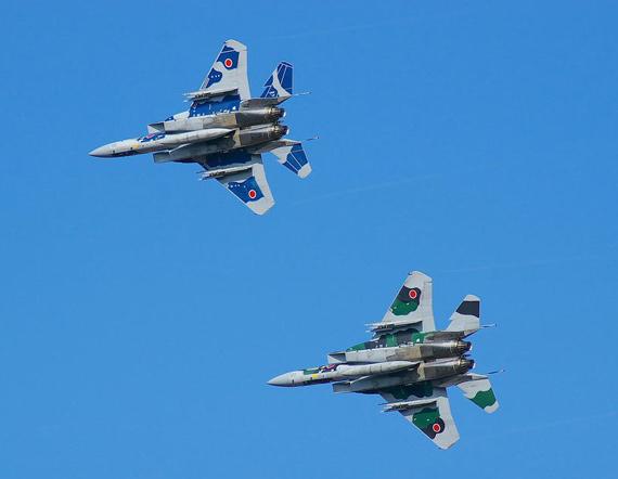 日本出动24架F-15J战机警告俄罗斯轰炸机(图)