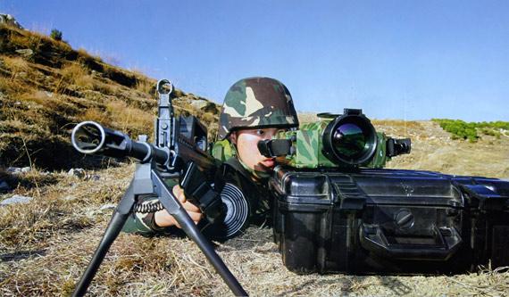 南京军区新兵射击比武中打出两满环获全师第一