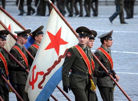 俄罗斯红场阅兵总预演参演军人全部着新式军服
