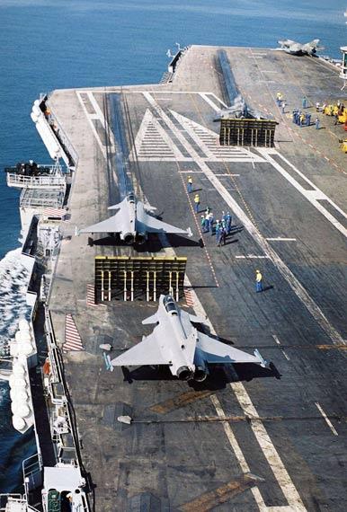 德国媒体称法国总统将向英国借航母建欧洲舰队