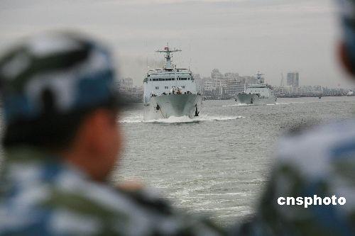 2008年7月中旬,中国海军首次预编兵员跨战区成建制海上拉动实兵演练在南海某海域进行。
