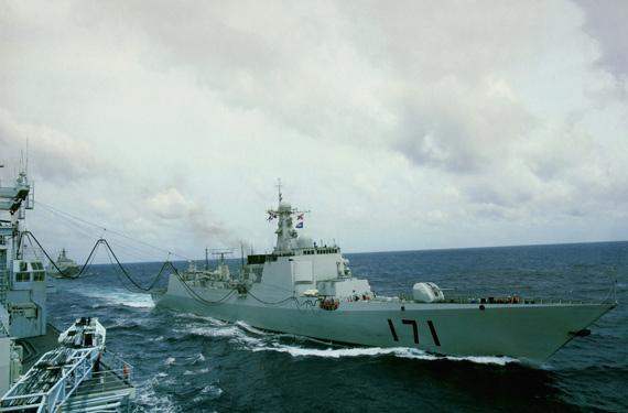 中国军舰赴索马里打击海盗已无法律障碍(图)