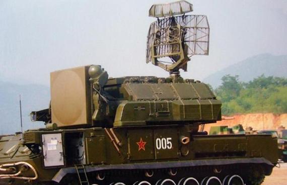 解放军从俄引进的道尔M1型野战防空系统