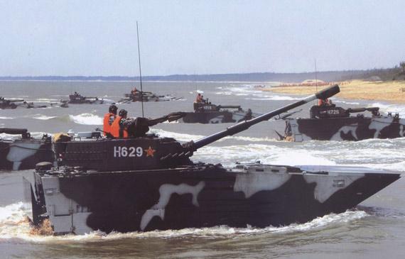 装备的105毫米火炮的国产AAAV两栖突击车