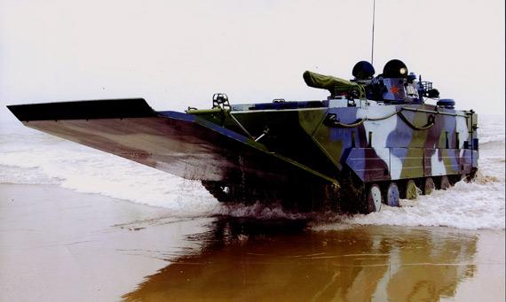 解放军海军陆战队装备的新型两栖火力突击车