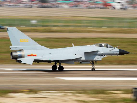 资料图:国产歼-10战机(摄影:陈诚)