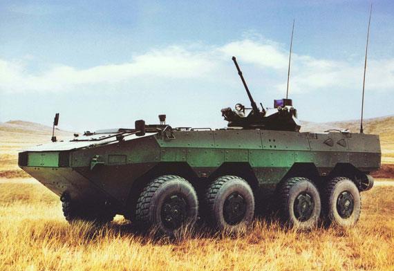 国产新型8X8轮式步兵战车