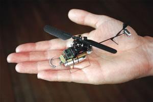 挪威普罗克斯动力公司的工程师日前研制出一架全球最小的间谍直升机