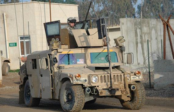 资料图:美国军用悍马车