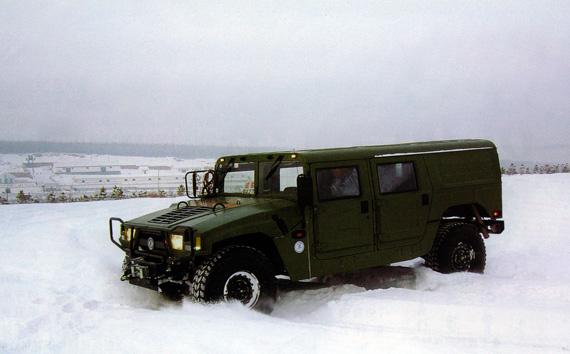 资料图:东风猛士高机动军用越野车在进行寒区作战性能试验