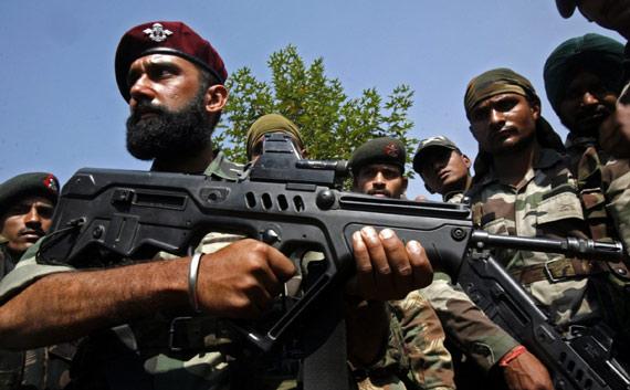 印度陆军已经为特种部队采购数千支以色列制TAR-21突击步枪