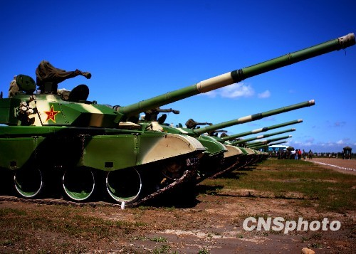 participating in the exercise of the Chinese 99 tanks Song River Gee agency issued photo