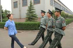 国庆50周年阅兵参阅女民兵秀发被军博收藏