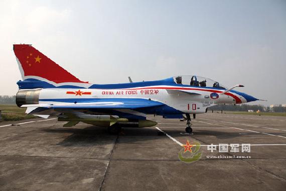 八一飞行表演队将换装歼-10表演机