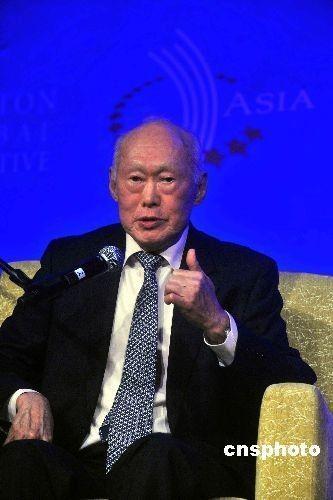 新加坡称中国媒体曲解李光耀制衡论含义!!