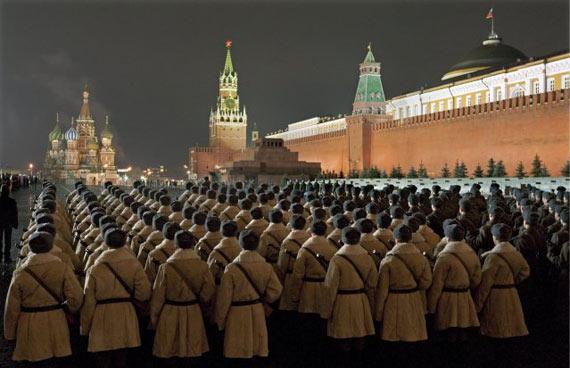 莫斯科今日举行盛大红场阅兵式 T-34坦克将亮相!!
