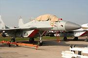 苏霍伊与米格展出最新战机