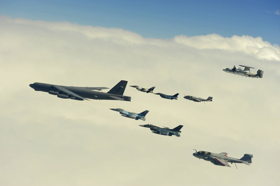 2 15, U.S. and Japanese Air Force sent a B- 52H bombers, the intruder Squadron F-16C, F-2A, EA-6B electronic warfare jamming aircraft, E-2C early warning aircraft for aerial show of force 。