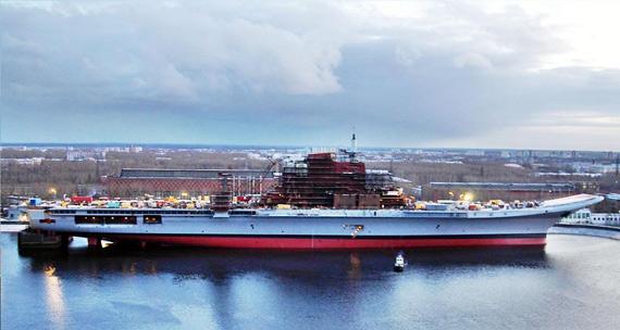 """""""戈尔什科夫海军上将""""号航母已在俄北方机器制造厂接受了长期的改进。"""