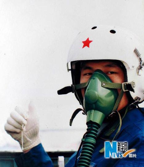 冯思广烈士生前参加飞行训练(资料照片)