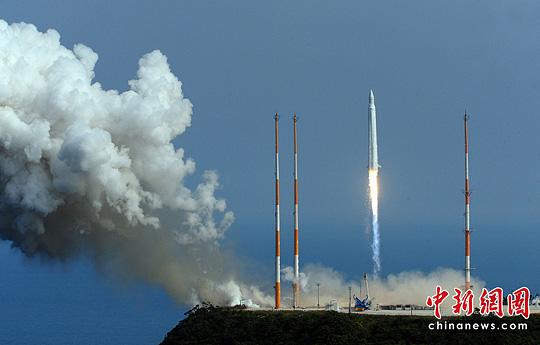 罗老号火箭升空。