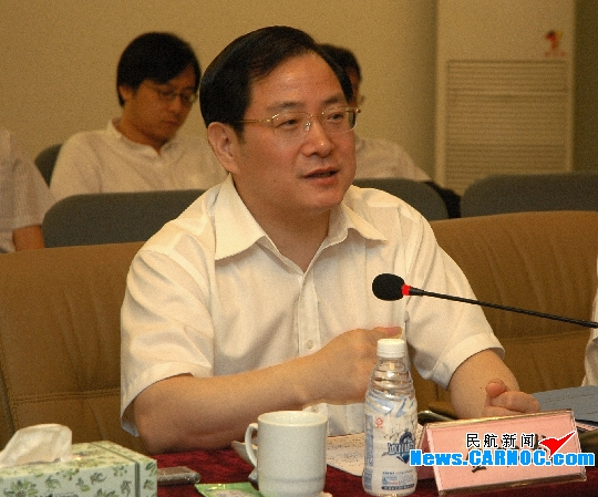 中国商用飞机公司总经理金壮龙调研成都航空