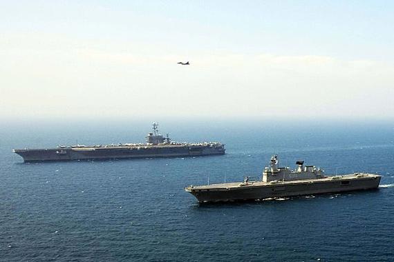 """资料图:美国海军""""乔治・华盛顿""""号航空母舰参加美韩联合军事演习。"""