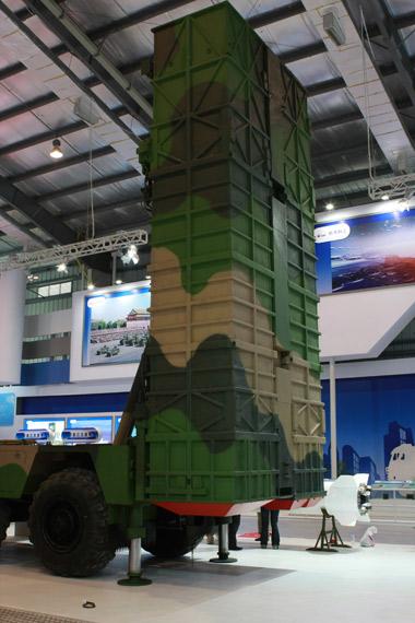 神鹰400(SY400)远程制导火箭发射装置 摄影:门广阔