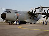 范堡罗航展亮点多 787和A400M最受关注
