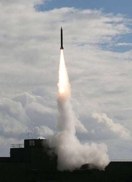 台军发射1枚天弓二型导弹。