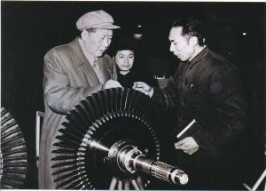 1958, Mao Zedong visited WP-5 engine plant.