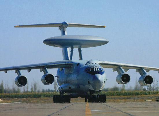 中国空军装备的国产空警2000大型预警机