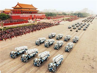 国庆50周年阅兵式上的反舰导弹