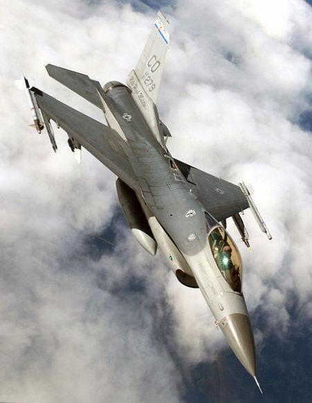资料图:美军装备的F-16C战斗机。