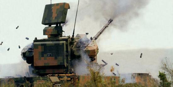 资料图:国产新型35毫米高炮开火