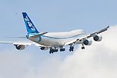 波音747-8货机首飞