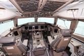 777-300ER客机驾驶舱布局