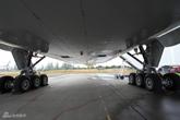 777-300ER客机机腹特写
