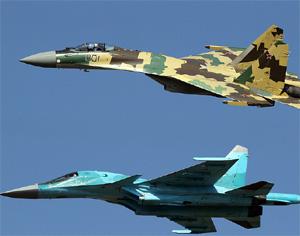 第十届莫斯科航展17日飞行表演