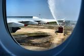 白云机场水门迎接南航A380
